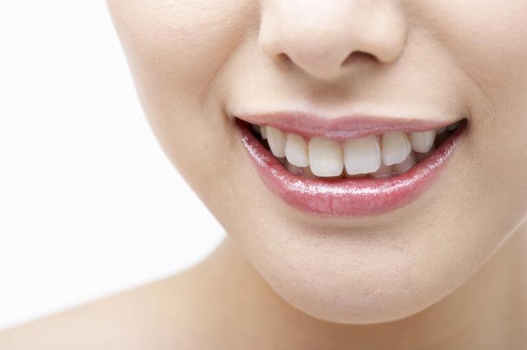 ホワイトニング・審美歯科
